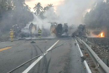 Asciende a 26 la cifra de fallecidos tras accidente de tránsito en carretera de México
