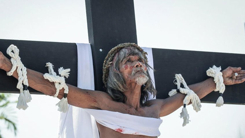 Vea cómo Filipinas celebra el Viernes Santo con crucifixiones reales