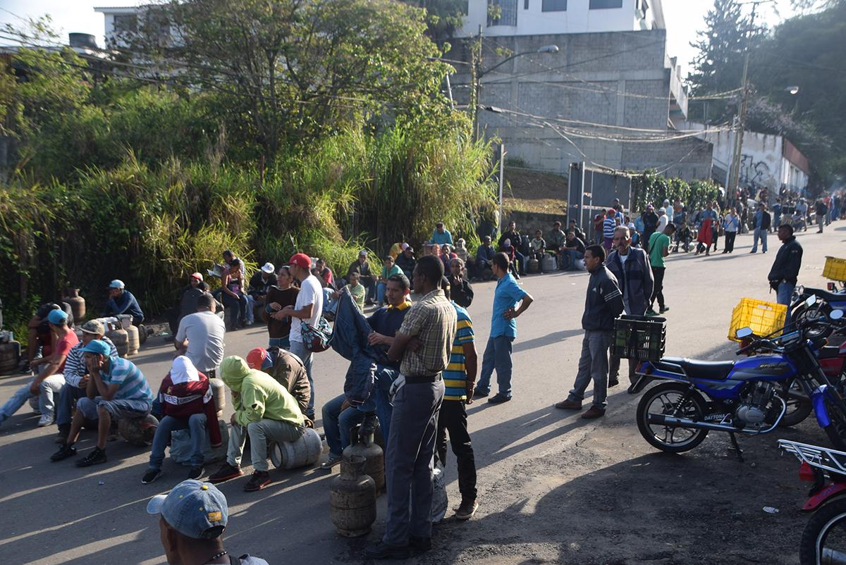 Protestan por falta gas