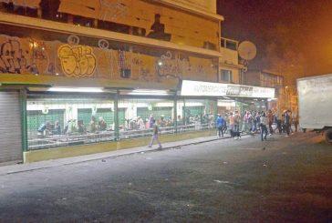 11 personas detenidas por intento de saqueo a supermercado en Carrizal