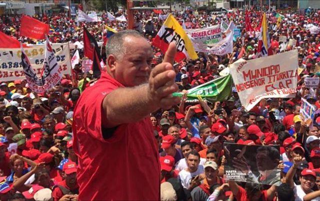 """Cabello llamó a partidarios a no caer en """"provocaciones"""""""
