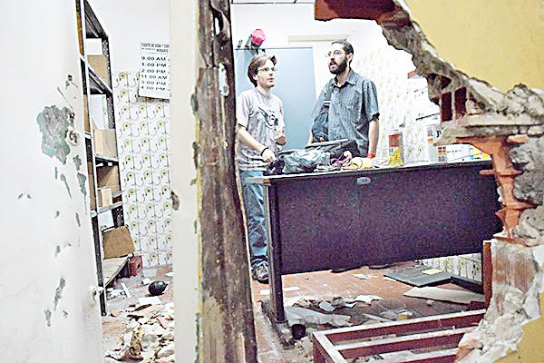 Alcaldía inspecciona  locales saqueados