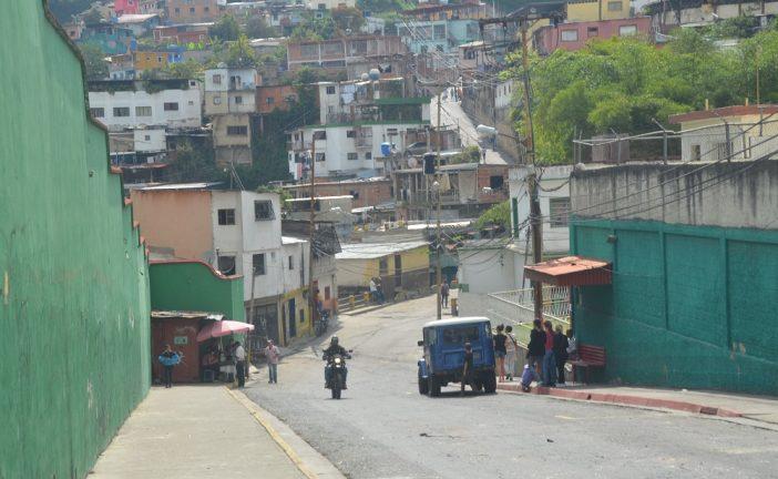 Policía brilla por su  ausencia en La Línea