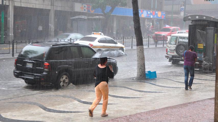 Prevén abundante nubosidad con lluvias moderadas sobre el país