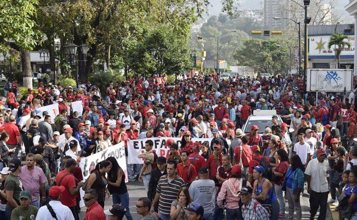 Oficialistas locales  marcharon en Caracas