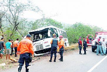 Siniestro en la ARC deja  dos muertos y seis heridos