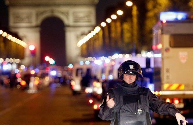 """Trump señaló que el tiroteo de París parece """"otro ataque terrorista"""""""