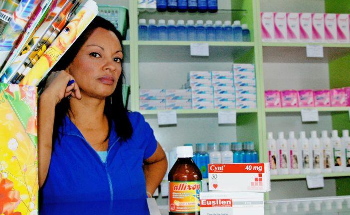 Farmacias reciben pocos insumos y a precios nuevos