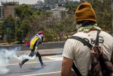 Murió joven por un disparo en el cuello mientras protestaba en Valencia