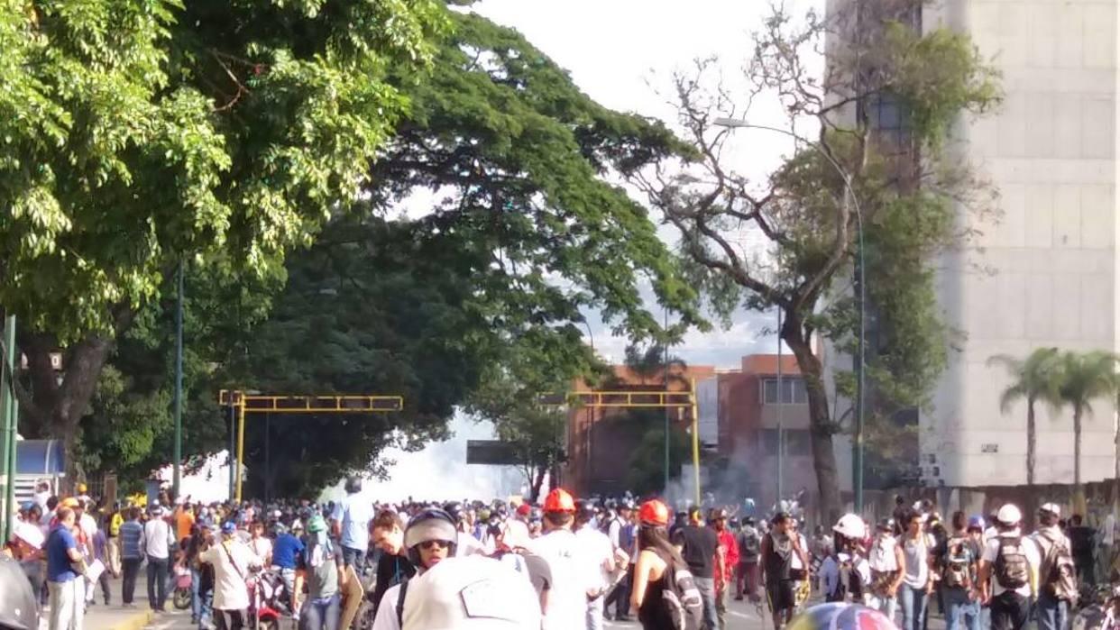 Hirieron a periodista de El Nacional en represión en Altamira