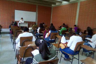 550 docentes presentaron prueba