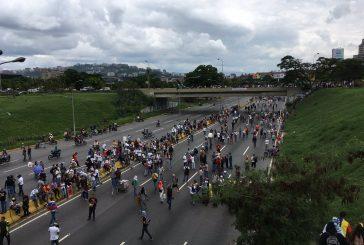 Opositores tomaron el distribuidor Altamira