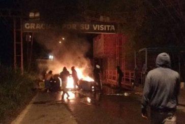 Calles de San Pedro de Los Altos con obstáculos tras protestas
