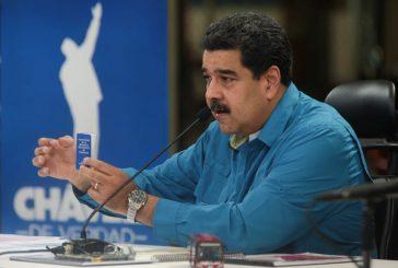 Presidente Maduro acudirá este martes al CNE a entregar bases comiciales