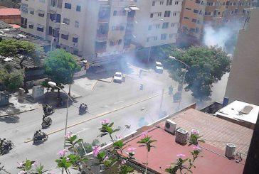 PNB dispersó a manifestantes en la avenida Victoria
