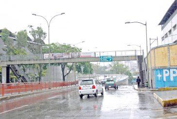 El alumbrado perturba a los conductores de la Bicentenario