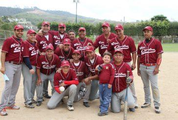 Perucho Rojas es la bujía de Rio Caribe que lo mantiene vivo en el softbol