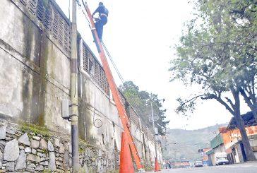 Cantv realiza trabajos de  reparación en el Barrio Ayacucho
