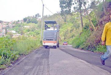 Aplican 1.500 toneladas de asfalto