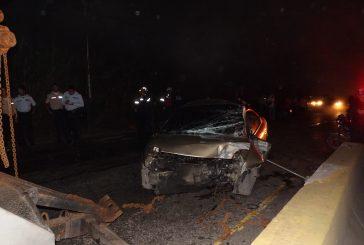 Lesionado taxista al chocar contra defensa en la Panamericana