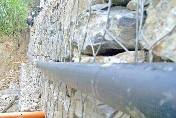 Atienden tubería de gas  ante posible deslave