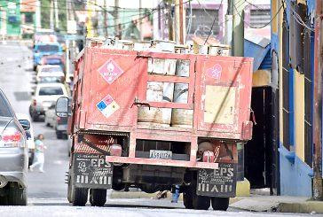 Camiones del gas pasan cada dos meses en Los Lagos