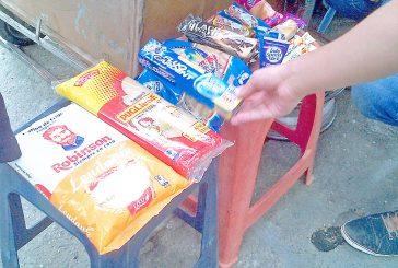 Buhoneros siguen expendiendo productos de primera necesidad