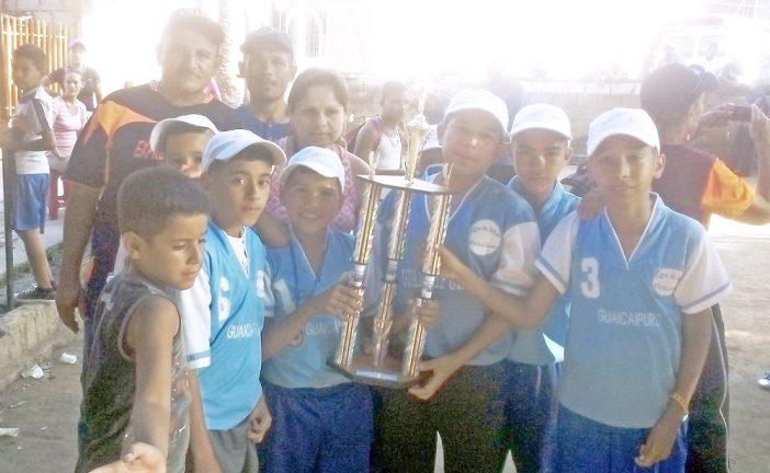 Bolas criollas infantil de Guaicaipuro campeón Estadal
