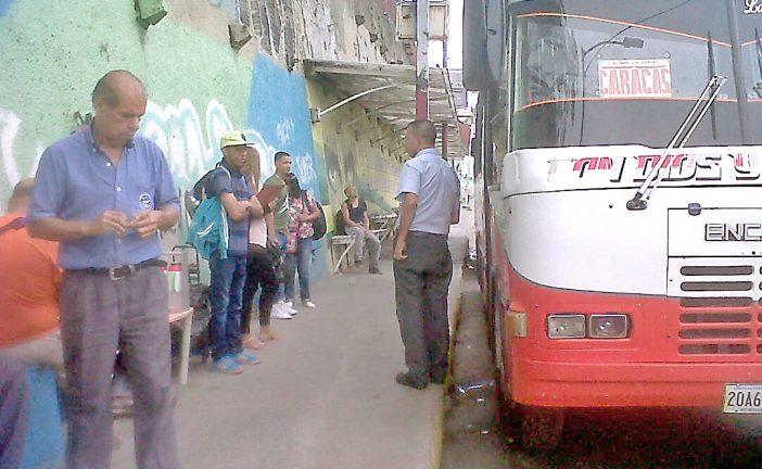 Se incrementan robos en autobuses  de Caracas-Los Teques