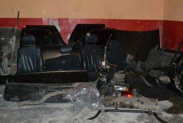 Hallan vehículo  desvalijado en Carrizal