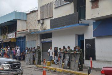 Liberan a otros seis  detenidos por protestas