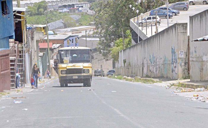 Pasan trabajo por transporte en Barrio Ayacucho II