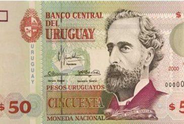 Uruguay inaugura billetes de plástico creados con polímero