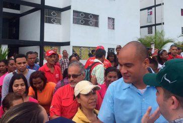 Gobierno atiende a familias afectadas en Miranda por tormenta Bret