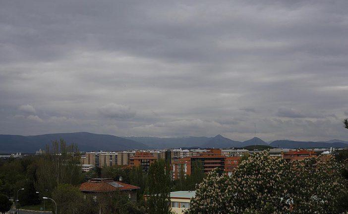 Prevén nubosidad y precipitaciones dispersas este sábado