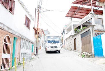 En barrio La Cruz el transporte trabaja a media máquina