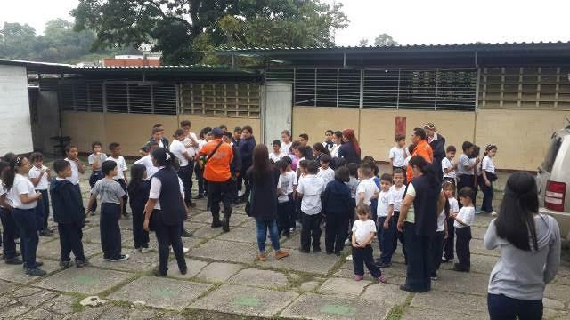 Alumnos de la U.E. Virgen de la Consagración realizaron simulacro de evacuación