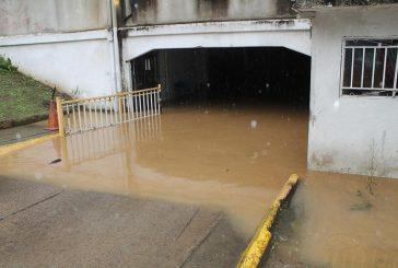 Desbordamiento de Quebrada Santa Isabel causó daños materiales en Montaña Alta