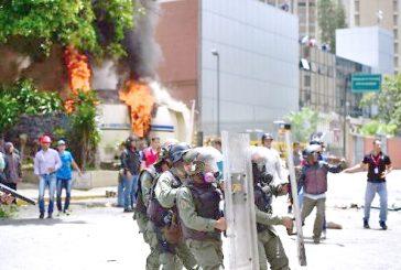 """Trancas, detenidos y heridos durante """"paro cívico"""""""