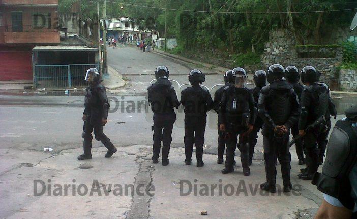 Polimiranda dispersa barricadas y manifestantes en El Encanto