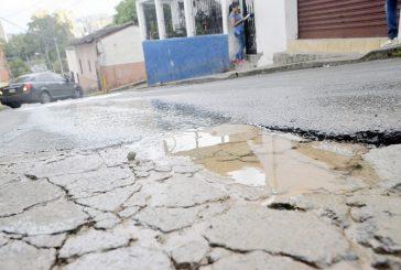 Desperdician agua potable en  tiempos de racionamiento