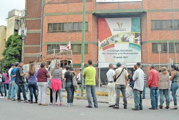 Electores salienses se movilizaron a Los Teques