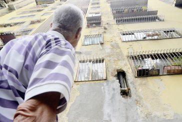 Filtraciones afectan 610 apartamentos  en residencias Lagunetica