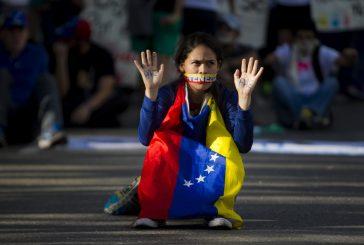 Oposición inicia paro general para obligar a Maduro a retirar su Constituyente