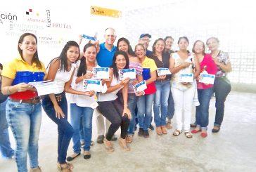 Reconocen labor de voluntarios de Escuela Solidaria