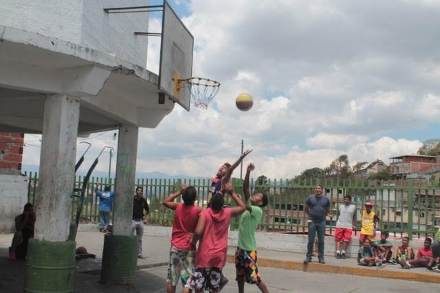Trio de baloncesto en Potrerito I