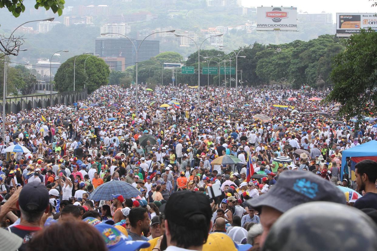Oposición marchará este sábado desde dos puntos de Caracas