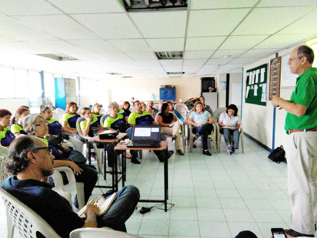 Equipos pedagógicos de Educación Miranda evaluaron año escolar
