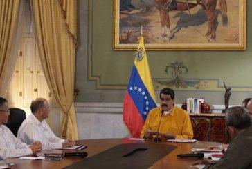 Maduro felicitó a la oposición por participar en elecciones regionales