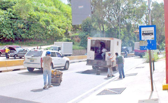 Tapan huecos en la Panamericana